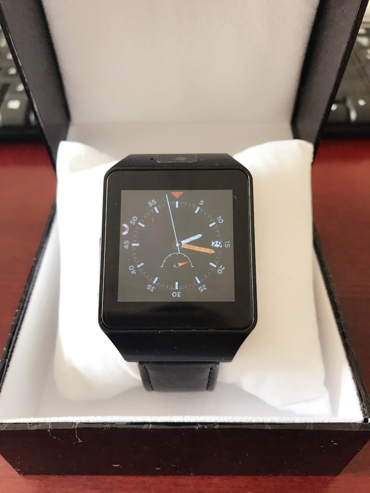矿用本安型智能手表:支持通话、微信、短信、睡眠监测、计步等