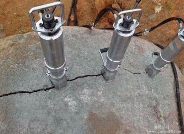替代炸药的大理石开采设备-湖北迪戈替代爆破劈破机静态劈裂机