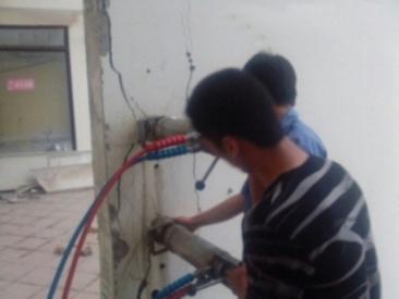 拆除钢筋混凝土支撑梁无振动设备迪戈劈裂机