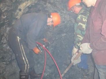 挖隧道工程设备取代炸药迪戈劈裂机