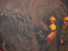 巷道 洞采开挖设备  洞采岩石破除 湖北迪戈液压劈裂机