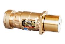 本系列产品包括插头、插座、中间连接器 , 堵头、电压 3300V, 电流 500A。适用于组合开关採煤机、转载机、刮板机、 电机、变频器及电缆终端间连接等综采设备配套 , 用户可选择 四根或六根辅助控制线芯 , 适合电缆最大尺寸 185mm 2 , 最小 尺寸为 35mm 2 。