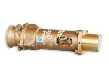 本系列产品包括插头、插座、中间连接器 , 电压 3300V 电 流 800A,适用于组合开关 , 大电流高压综采设备及电缆终端 间连接等 , 适合电缆最大尺寸 240mm 2 最小尺寸 50mm 2 。